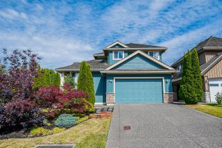 """Photo 2: 14708 31A Avenue in Surrey: Elgin Chantrell House for sale in """"HERITAGE TRAILS"""" (South Surrey White Rock)  : MLS®# R2596097"""
