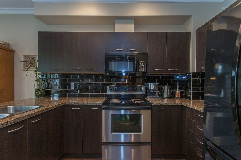 "Photo 13: Photos: 6 6785 193 Street in Surrey: Clayton Townhouse for sale in ""MADRONA"" (Cloverdale)  : MLS®# R2160056"