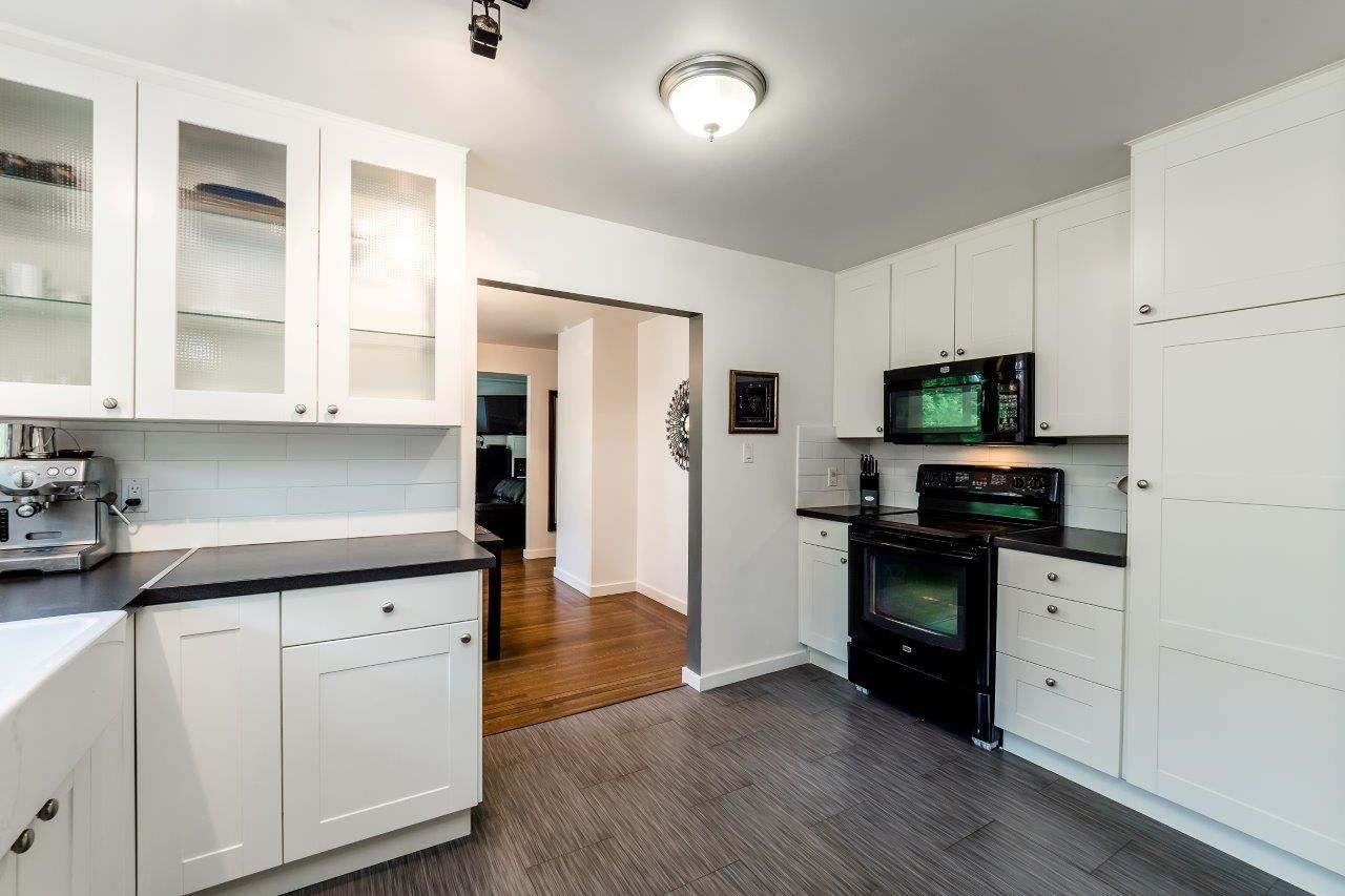 Photo 7: Photos: 1002 CLEMENTS Avenue in North Vancouver: Canyon Heights NV House for sale : MLS®# R2078694