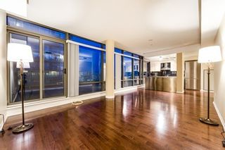 Photo 2: Ph3501 37 Grosvenor Street in Toronto: Bay Street Corridor Condo for lease (Toronto C01)  : MLS®# C4494590
