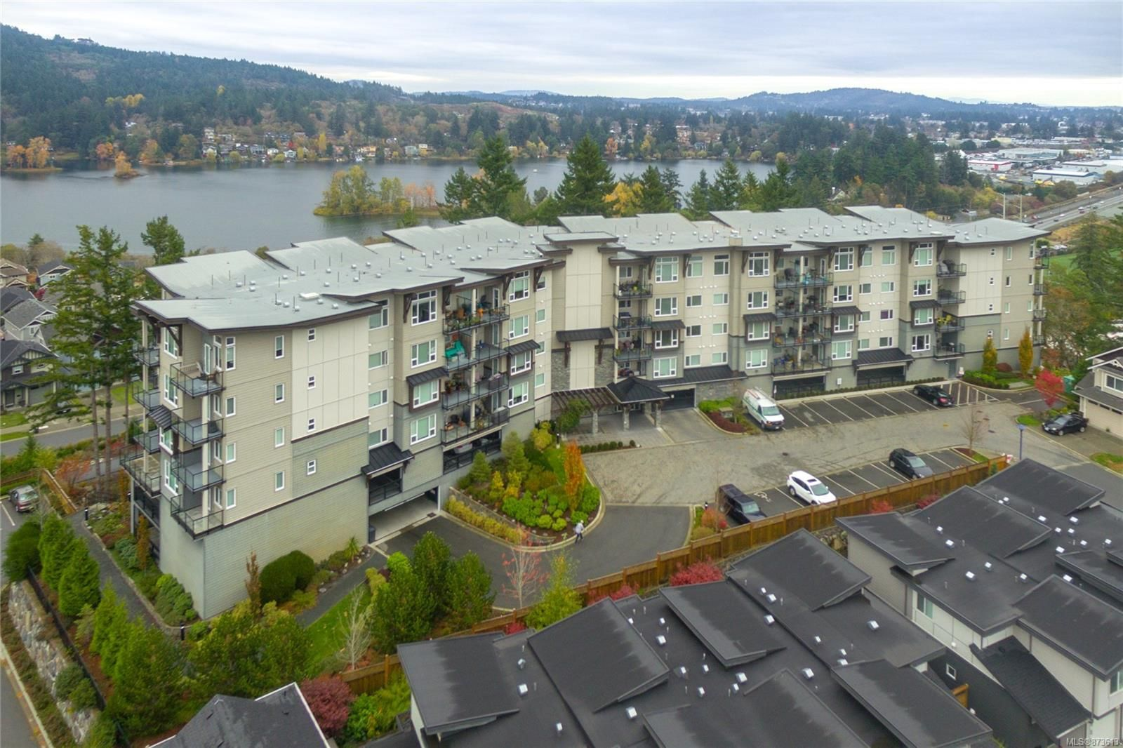 Main Photo: 101 1145 Sikorsky Rd in : La Westhills Condo for sale (Langford)  : MLS®# 873613