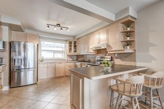 Photo 10: 264 Ryding Avenue in Toronto: Junction Area House (2-Storey) for sale (Toronto W02)  : MLS®# W4415963