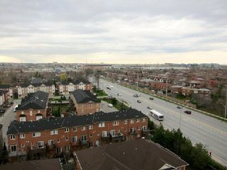 Photo 1: 13 1359 E Rathburn Road in Mississauga: Rathwood Condo for sale : MLS®# W2875628