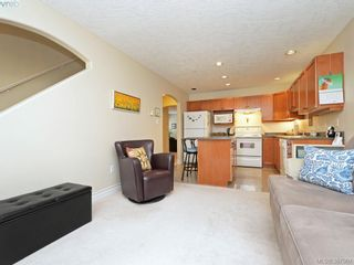 Photo 9: 2 127 Aldersmith Pl in VICTORIA: VR Glentana Row/Townhouse for sale (View Royal)  : MLS®# 779387