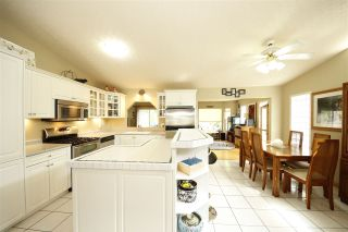 """Photo 5: 41532 RAE Road in Squamish: Brackendale House for sale in """"Brackendale"""" : MLS®# R2133343"""