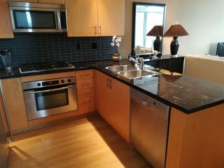 """Photo 6: The Sterling: 1806 1050 SMITHE STREET in West End - Vancouver: Number of Units: 129 Condo for sale in """"THE STERLING"""" (Vancouver West)  : MLS®# R2293269"""