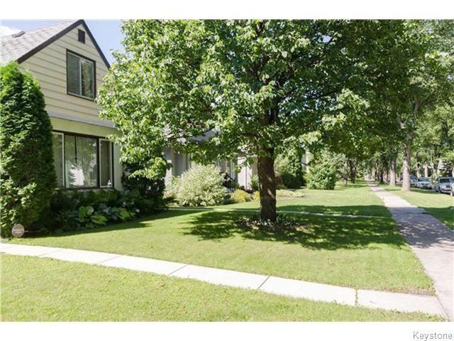 Photo 2: Photos: 583 Montrose Street in Winnipeg: River Heights / Tuxedo / Linden Woods Residential for sale (South Winnipeg)  : MLS®# 1620813