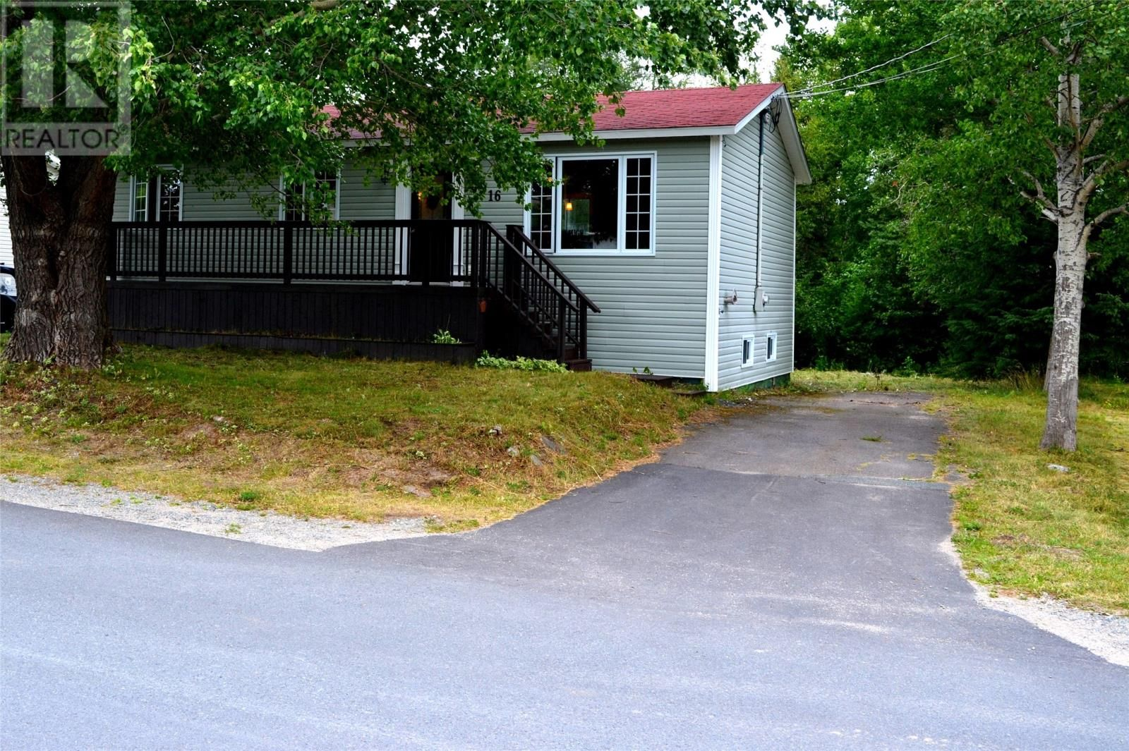 Main Photo: 16 Crewe's Road in Glovertown: House for sale : MLS®# 1236312