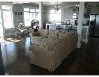 "Photo 7: 6344 SAMRON Road in Sechelt: Sechelt District House for sale in ""WEST SECHELT"" (Sunshine Coast)  : MLS®# V760674"