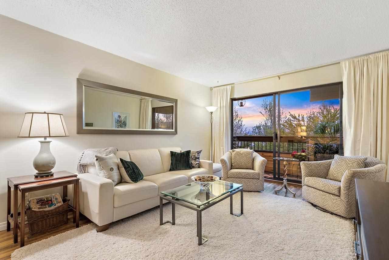 "Main Photo: 310 440 E 5TH Avenue in Vancouver: Mount Pleasant VE Condo for sale in ""Landmark Manor"" (Vancouver East)  : MLS®# R2575802"