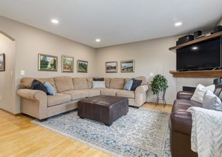 Photo 14: 126 Strathridge Close SW in Calgary: Strathcona Park Detached for sale : MLS®# A1123630