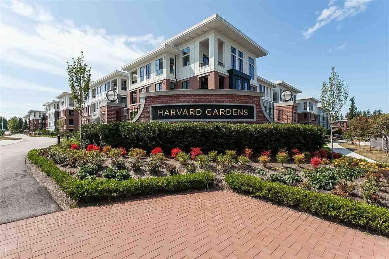 Main Photo: 101 15137 33 Avenue in Surrey: Morgan Creek Condo for sale (South Surrey White Rock)  : MLS®# R2397076
