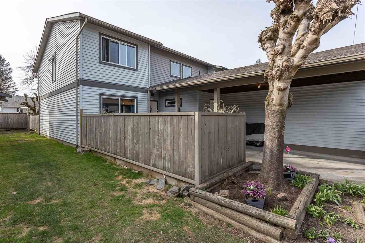 """Photo 4: Photos: 51 46689 FIRST Avenue in Chilliwack: Chilliwack E Young-Yale Townhouse for sale in """"Mount Baker Estates"""" : MLS®# R2552710"""