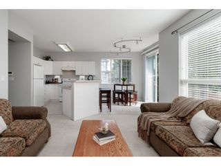 """Photo 7: 18492 64B Avenue in Surrey: Cloverdale BC House for sale in """"Clovervalley Station"""" (Cloverdale)  : MLS®# R2444631"""