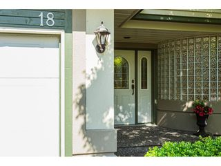 "Photo 2: 18 4001 OLD CLAYBURN Road in Abbotsford: Abbotsford East Townhouse for sale in ""Cedar Springs"" : MLS®# R2469026"