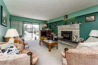 """Photo 4: 3305 E 25TH Avenue in Vancouver: Renfrew Heights House for sale in """"RENFREW HEIGHTS"""" (Vancouver East)  : MLS®# R2097211"""
