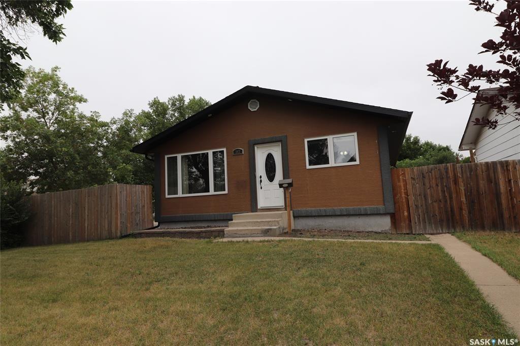 Main Photo: 147 Galbraith Crescent in Saskatoon: Fairhaven Residential for sale : MLS®# SK864390