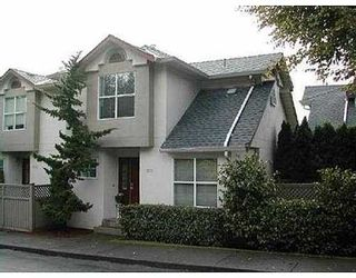 Photo 1: 4 920 TOBRUCK AV in North Vancouver: Home for sale : MLS®# V617502