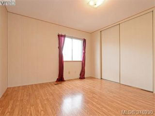 Photo 9: 61 1555 Middle Rd in VICTORIA: VR Glentana Manufactured Home for sale (View Royal)  : MLS®# 756727