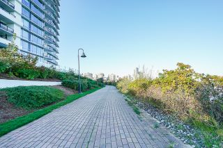 Photo 5: 1104 210 Salter Street in New Westminster: Queensborough Condo for sale