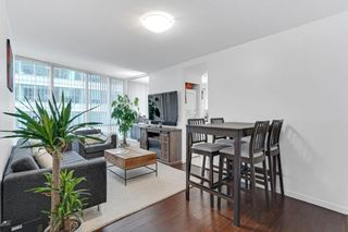 """Photo 1: 1508 1166 MELVILLE Street in Vancouver: Coal Harbour Condo for sale in """"ORCA"""" (Vancouver West)  : MLS®# R2603141"""