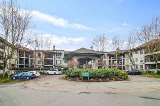 """Photo 20: 302 19528 FRASER Highway in Langley: Cloverdale BC Condo for sale in """"Fairmont"""" (Cloverdale)  : MLS®# R2554897"""