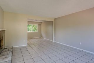 Photo 4: 973 Weaver Pl in Langford: La Walfred House for sale : MLS®# 850635