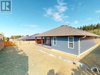 Photo 2: 7467 GABRIOLA CRESCENT in Powell River: House for sale : MLS®# 16133