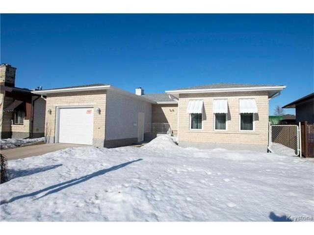 Main Photo: 31 Farlinger Bay in Winnipeg: Garden City Residential for sale (4F)  : MLS®# 1703932