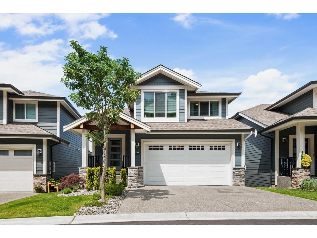 """Main Photo: 37 50634 LEDGESTONE Place in Chilliwack: Eastern Hillsides House for sale in """"The Cliffs"""" : MLS®# R2593109"""