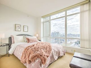"Photo 6: 1607 4815 ELDORADO Mews in Vancouver: Collingwood VE Condo for sale in ""2300 KINGSWAY"" (Vancouver East)  : MLS®# R2562372"