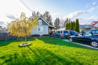 Photo 3: 9813 YOUNG Road in Chilliwack: Chilliwack N Yale-Well House for sale : MLS®# R2562859
