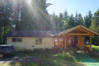 """Photo 3: 5456 DUSTY Road in Sechelt: Sechelt District House for sale in """"EAST PORPOISE BAY"""" (Sunshine Coast)  : MLS®# R2570249"""