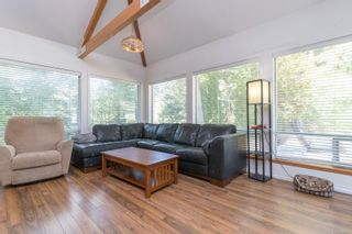 Photo 5: 9320/9316 Lochside Dr in : NS Bazan Bay House for sale (North Saanich)  : MLS®# 886022