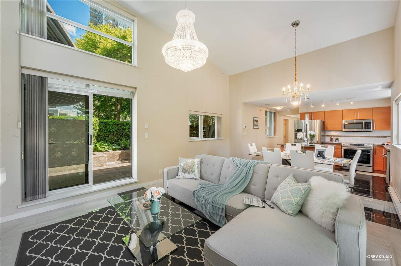 """Main Photo: 204 2225 HOLDOM Avenue in Burnaby: Central BN Townhouse for sale in """"Legacy"""" (Burnaby North)  : MLS®# R2591838"""