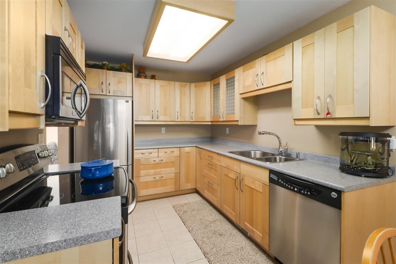 """Photo 7: Photos: 10 11500 NO. 1 Road in Richmond: Steveston South Townhouse for sale in """"MAGNOLIA COURT"""" : MLS®# R2493915"""