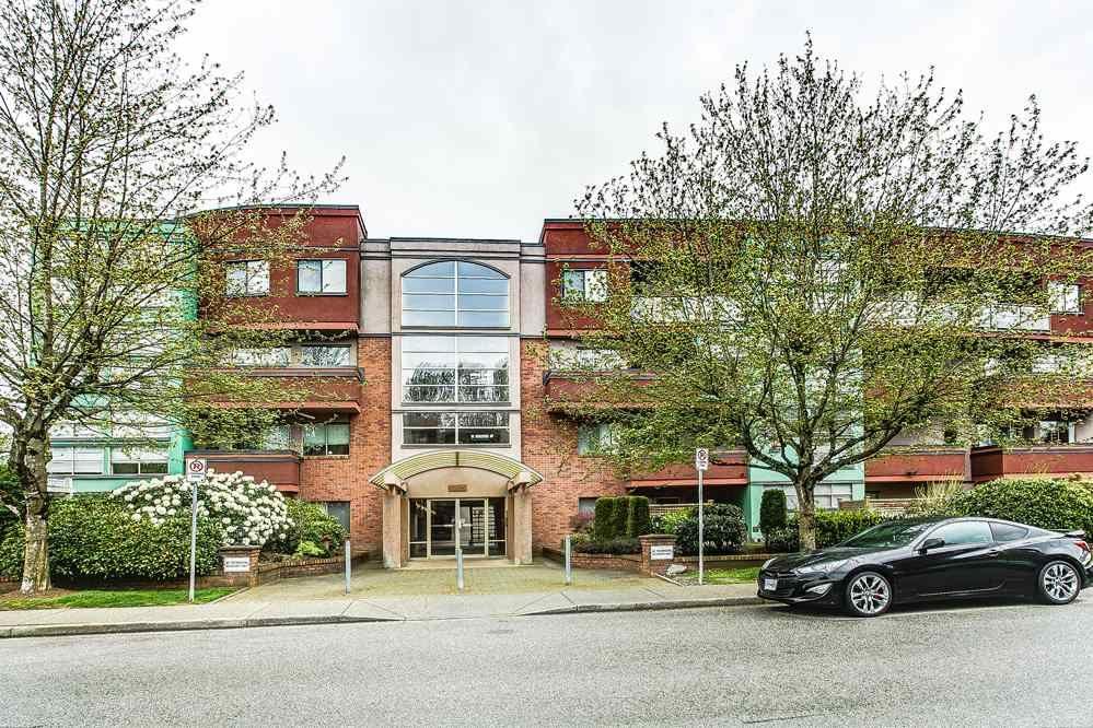 """Main Photo: 103 12025 207A Street in Maple Ridge: Northwest Maple Ridge Condo for sale in """"ATRIUM"""" : MLS®# R2057622"""