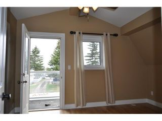 Photo 5: 1114 Grey Avenue: Crossfield Residential Detached Single Family for sale : MLS®# C3617359