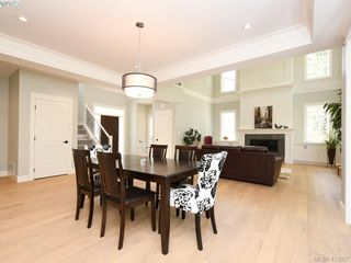 Photo 12: 1024 Deltana Ave in VICTORIA: La Olympic View House for sale (Langford)  : MLS®# 820960