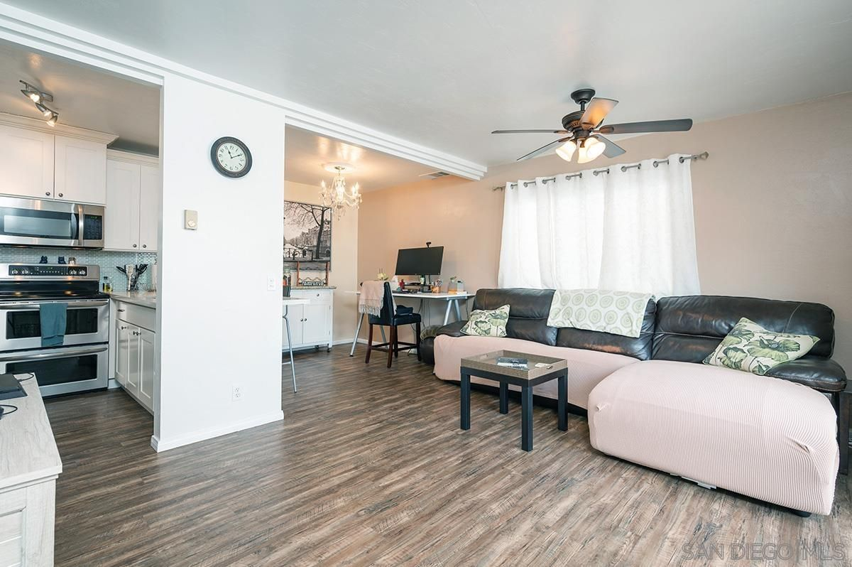 Main Photo: SAN DIEGO Townhouse for sale : 1 bedrooms : 2849 A street #9