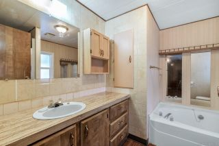 "Photo 11: 14 8670 156 Street in Surrey: Fleetwood Tynehead Manufactured Home for sale in ""WESTWOOD COURT"" : MLS®# R2377361"