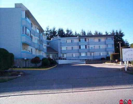 """Main Photo: 206 7175 134TH ST in Surrey: West Newton Condo for sale in """"Sherwood Manor"""" : MLS®# F2521250"""