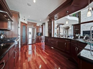 Photo 5: 18 Coulee View SW in Calgary: Cougar Ridge Detached for sale : MLS®# A1145614