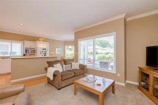 "Photo 10: 15 1881 144 Street in Surrey: Sunnyside Park Surrey Townhouse for sale in ""BRAMBLEY HEDGE"" (South Surrey White Rock)  : MLS®# R2384004"
