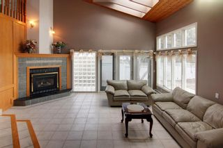 Photo 12: 4 Commerce Street NW in Calgary: Cambrian Heights Detached for sale : MLS®# A1103120