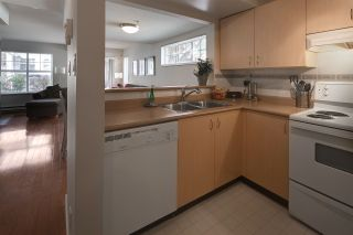 """Photo 10: 30 123 SEVENTH Street in New Westminster: Uptown NW Townhouse for sale in """"Royal City Terraces"""" : MLS®# R2052771"""