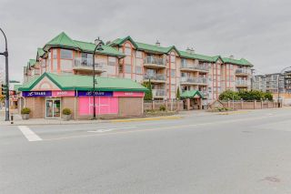 """Photo 2: 440 22661 LOUGHEED Highway in Maple Ridge: East Central Condo for sale in """"GOLDEN EARS GATE"""" : MLS®# R2513014"""