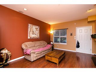 """Photo 4: 71 1055 RIVERWOOD Gate in Port Coquitlam: Riverwood Townhouse for sale in """"MOUNTAIN VIEW ESTATES"""" : MLS®# V999954"""