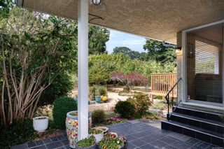 Photo 35: 720 Pemberton Rd in : Vi Rockland House for sale (Victoria)  : MLS®# 885951