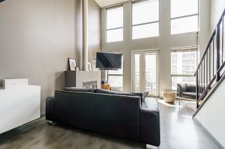 """Photo 6: 502 1 E CORDOVA Street in Vancouver: Downtown VE Condo for sale in """"CARRALL STATION"""" (Vancouver East)  : MLS®# R2598724"""